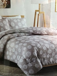 BNWT Queen 3 pieces microfibre comforter set