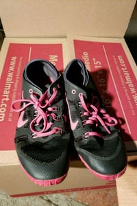 pair of black-and-red Nike running shoes Oak View, 93022