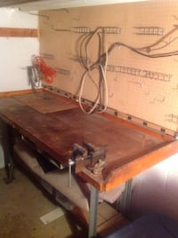 Wooden Table w/ Vise all included Claymont, 19703