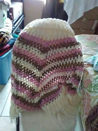 pink and white knitted scarf Los Angeles, 90061