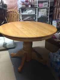 Pine Dining Table  Mississauga, L4Z 3Y2
