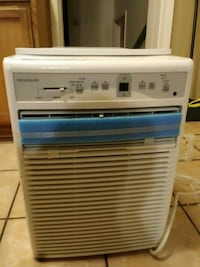 This is a very good Air Conditioner in is brand new it's a Frigidaire with 10,000 btu  Chicago, 60628
