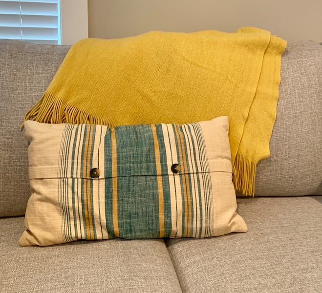 Blanket & Throw Pillow Set 8610a266-e75c-4780-b44b-8117f6183ef1