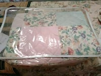 Cute Twin size bedding set for girls room$35 Saint Martinville, 70582