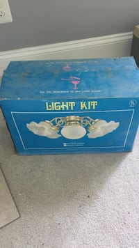 Antique brass light kit  Leesburg, 20176