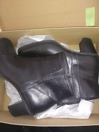 Size 7 boots gently used Troy, 12180