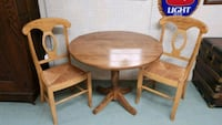 Drop leaf table and 2 chairs Allentown, 18103