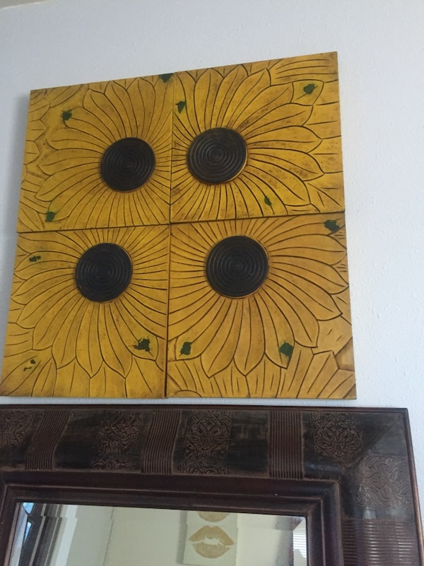 Used Four Piece Wall Deco Art 35 Made Of Lightweight Wood For In Dallas Letgo