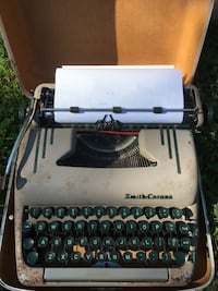 Vintage typewriter—works! Kensington, 20895
