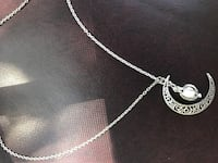 silver-colored chain necklace with heart pendant Miramar Beach, 32550
