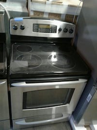 GE electric stove excellent condition very clean Baltimore, 21223