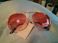 silver-colored framed aviator-style sunglasses Toronto, M6L 3C4