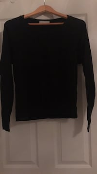 Black long sleeve from Forever21. Size small.  Ajax, L1T 0K1