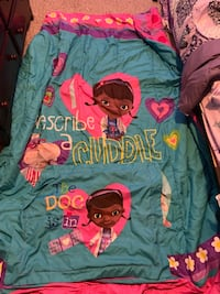 Doc McStuffins comforter and pillow cover St Thomas, N5R 5Z1