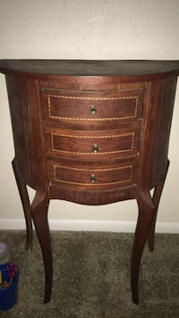 Brown wooden 3-drawer jewelry or nightstand Casselberry, 32707