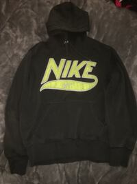 black and yellow Nike pullover hoodie Cambridge, N1S 4M5