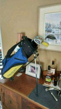 Kids Golf Bag and Clubs (lefty!) Pickering, L1X 2R1