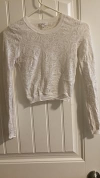 Aritzia Long Sleeved XS Surrey, V3W 5H2