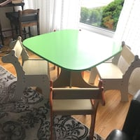 P'kolino Giraffe and Tree Table and 4 Chair Set  Very good condition, smoke and pet free home.  Ages 3 and up  Measurements:    Chairs 11 inches to the top of the seat  Table diameter 18 inches   Table height 21 inches high  VIEW MY OTHER ADS!!!  Toronto