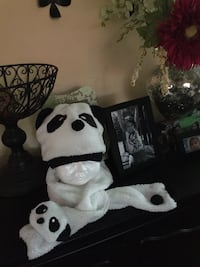 Last one! Panda hat and scarf Worcester, 01603