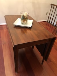 Henkel Harris Dining Table and 6 chairs Centreville, 20120