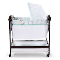 Summer Infant Classic Comfort Wood Bassinet!