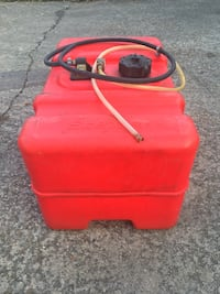 12 gallon boat gas tank. Has some old gas in it   Sulphur, 70663