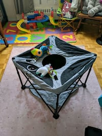 Kidco portable standing play station.  Mississauga, L4X 1S1