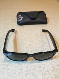 Black framed ray-ban wayfarer sunglasses with case Mc Lean, 22101