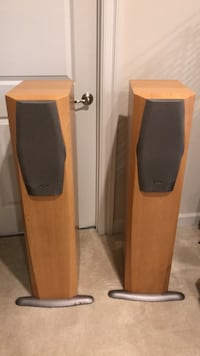 Infinity IL50 Tower speakers subwoofer built-in. Ellicott City, 21043