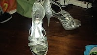 pair of silver open-toe heeled sandals Saint Charles, 63301