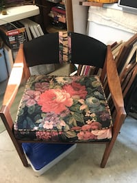 black and red floral padded armchair Tulsa, 74133
