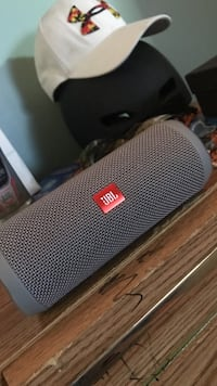 black JBL portable bluetooth speaker Linthicum Heights, 21090