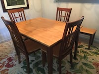 Six seater dining room table Dumfries, 22026
