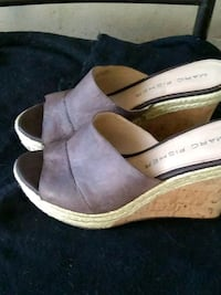 pair of brown leather open-toe wedges 1359 mi