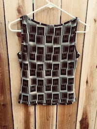 black and white sleeveless top Los Angeles, 91345