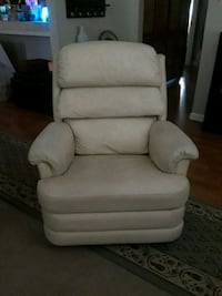 Leather recliner chair  Modesto, 95354
