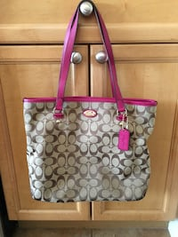 Authentic Coach Purse Edmonton, T5Y 0G5