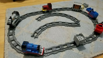Thomas the train Duplo Lego style set.