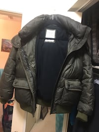 Abercrombie &Fitch warm coat with hood. Lexington, 40517