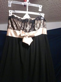 Strapless gold and. Black dress Oroville, 95965