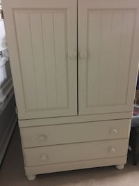 White wooden panel TV armoire El Paso, 79925