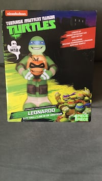 TMNT Leonardo action figure with box Brampton, L6W 4C3