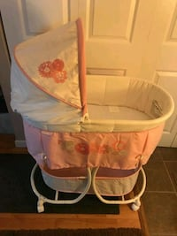 baby's white and pink bassinet Middle River, 21220