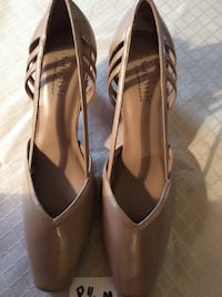 Women heels size 8 1/2, never worn. Oxon Hill, 20745
