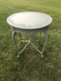 round gray metal framed glass top table West Chester, 45069
