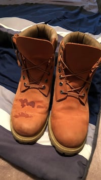 pair of brown leather work boots Bellevue, 15202