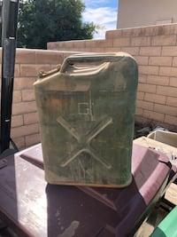 Military gas cans 5 gal (Jerry cans) Indio, 92201