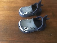 Capelli kids style croc shoes size 4/5 (sharks) Inglewood, 90305