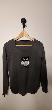 Women`s Sweater Size S 2pcs New Westminster